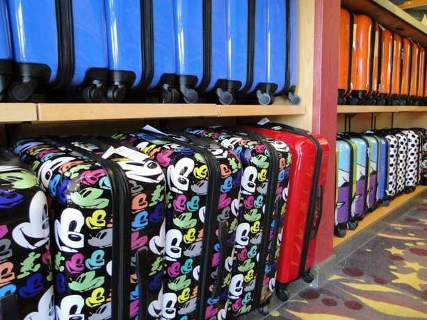 Rangées de valises Mickey