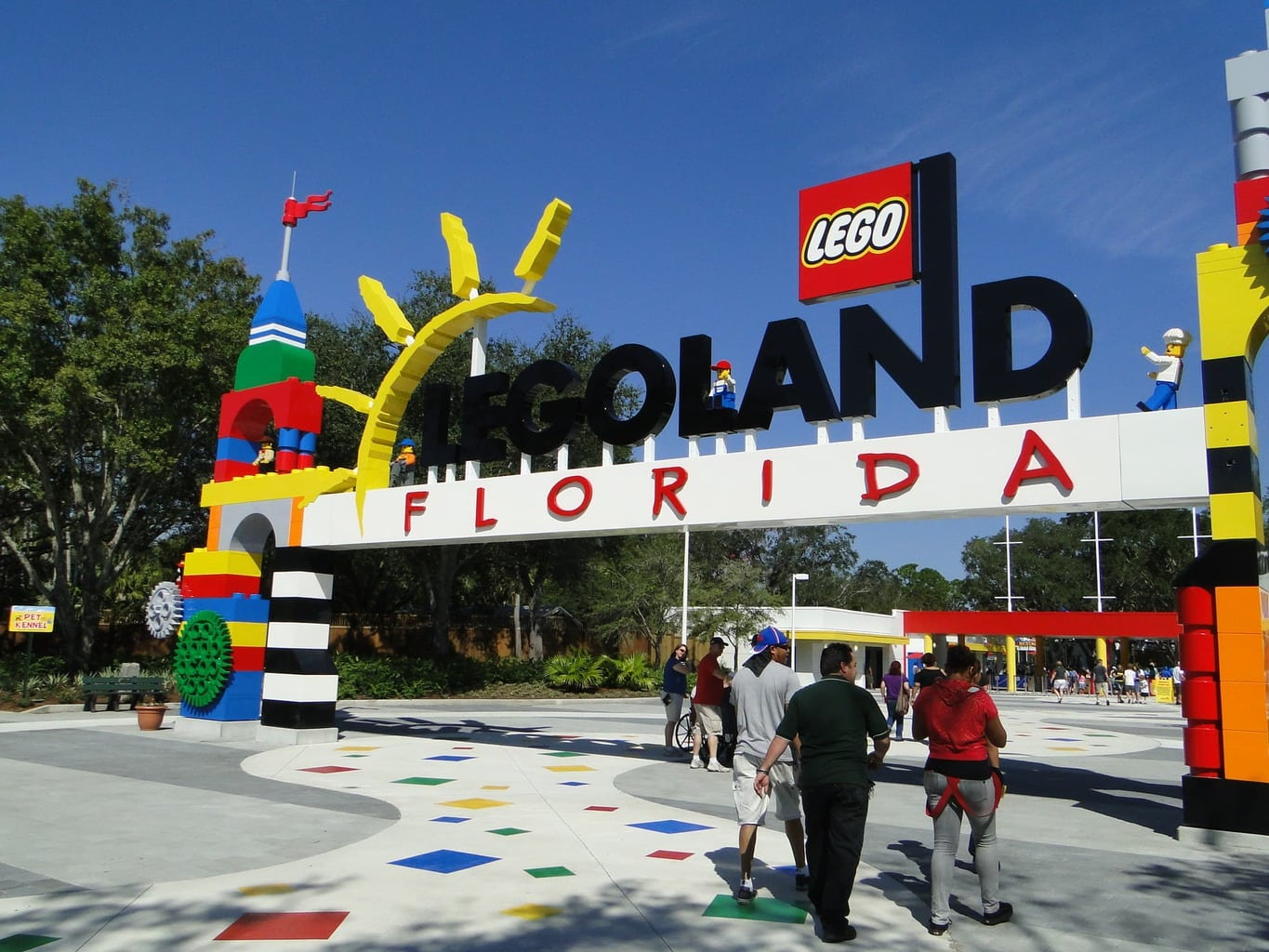 LEGOLAND® Florida Resort is a multi-day vacation destination built for kids Located in Central Florida's Winter Haven, just 45 minutes from Orlando and Tampa, the resort includes an interactive, acre theme park with more than 50 rides, shows and attractions inspired by popular LEGO® brands and characters, LEGOLAND Water Park and a.