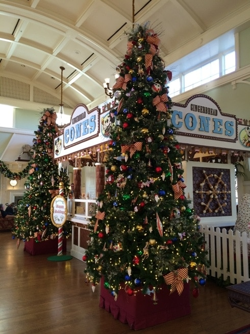 Christmas Decorations at Disney's Boardwalk