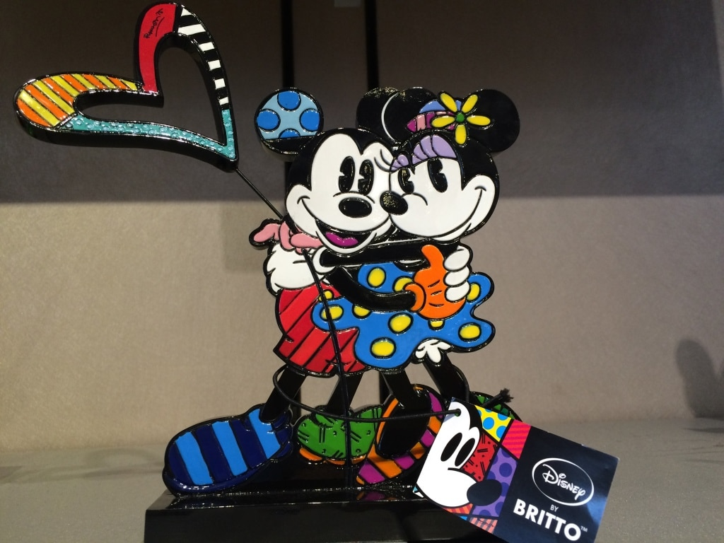 Brito Mickey and Minnie Mouse Statue Figurine Valentines Day Heart Love Walt Disney World Colorful