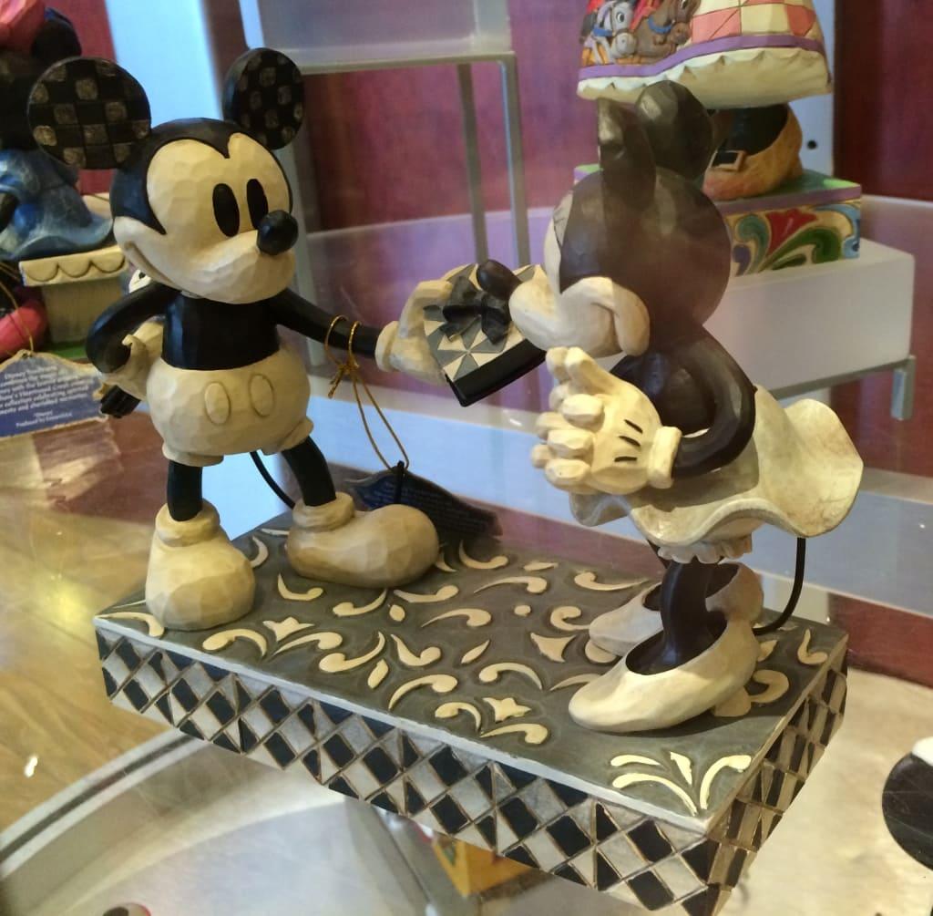Mickey Handing Minnie Box of chocolates Valentines Day Walt Disney World Love Jim Shore