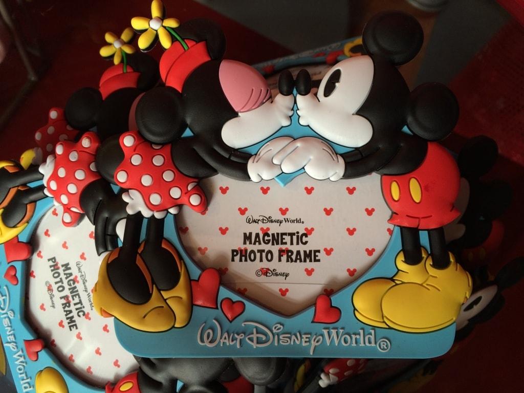 Mickey and Minnie Kissing Frame Valentines Day Walt Disney World Heart
