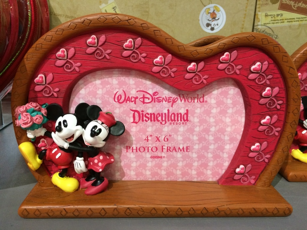 Valentines Day Frame Walt Disney World Mickey and Minnie Love Heart Disney
