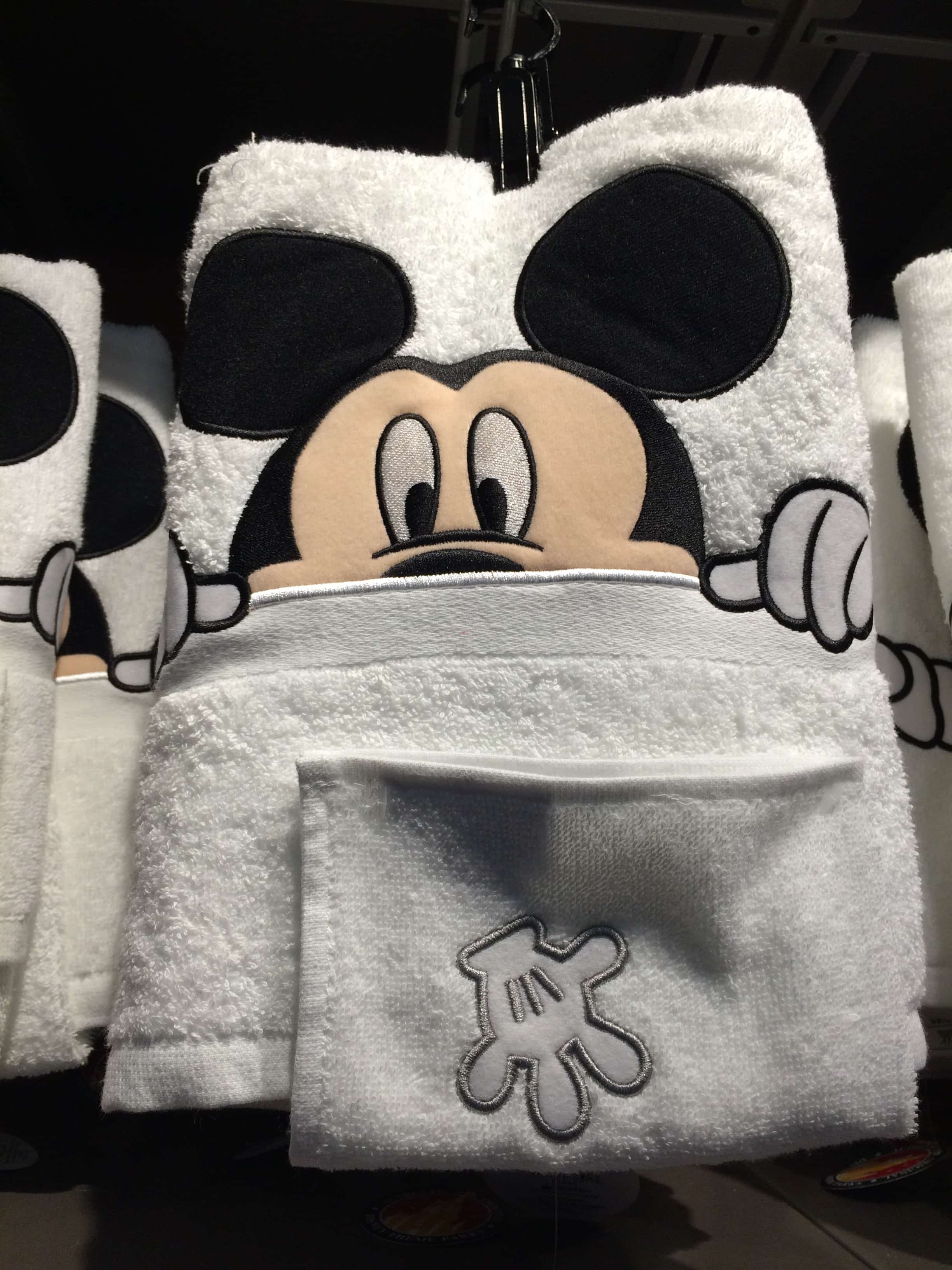 Gentil Mickey Mouse Bath Towel Set With Washcloth Disney