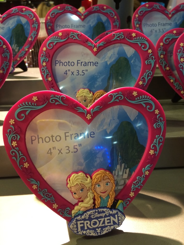 frozen heart frame valentines day sisters anna elsa