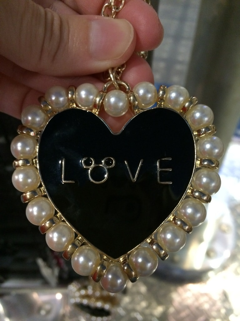 disney enameled heart necklace with pearls and mickey head