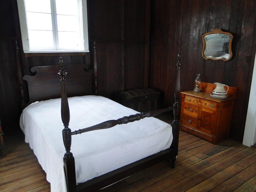 pioneer village bedroom kissimmee