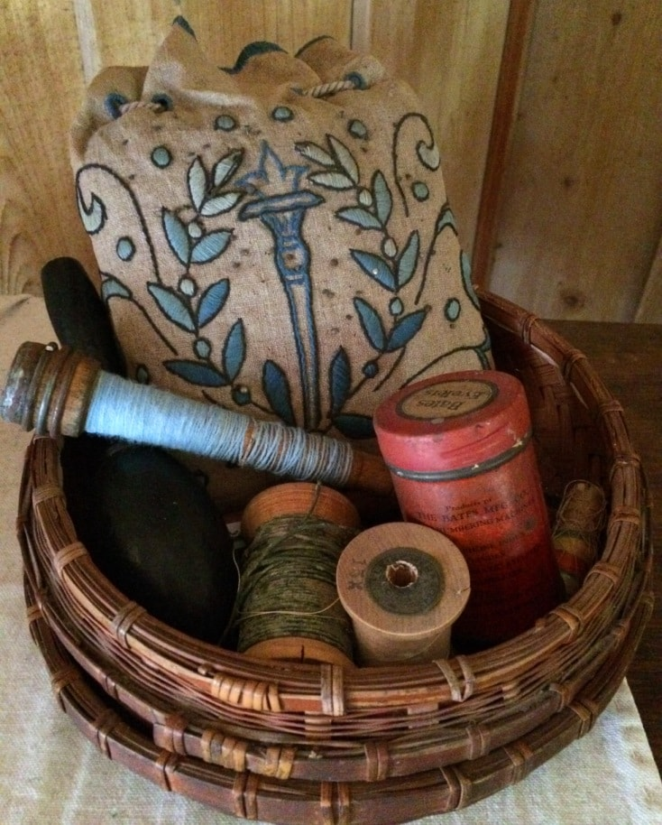 Old fashioned sewing instruments