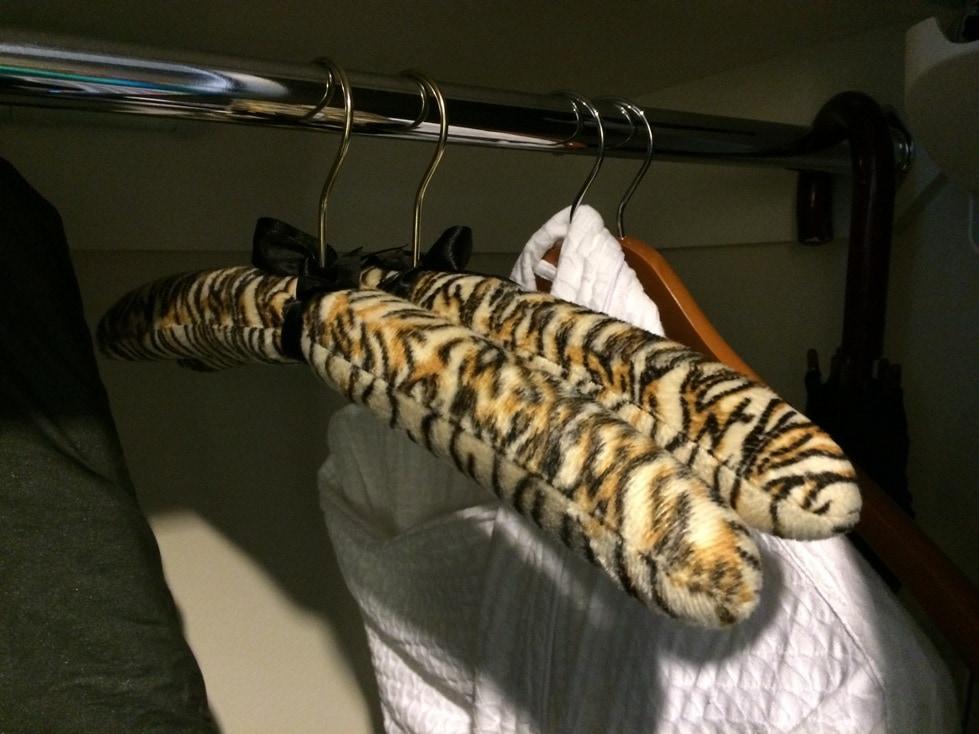 leopard print hangers