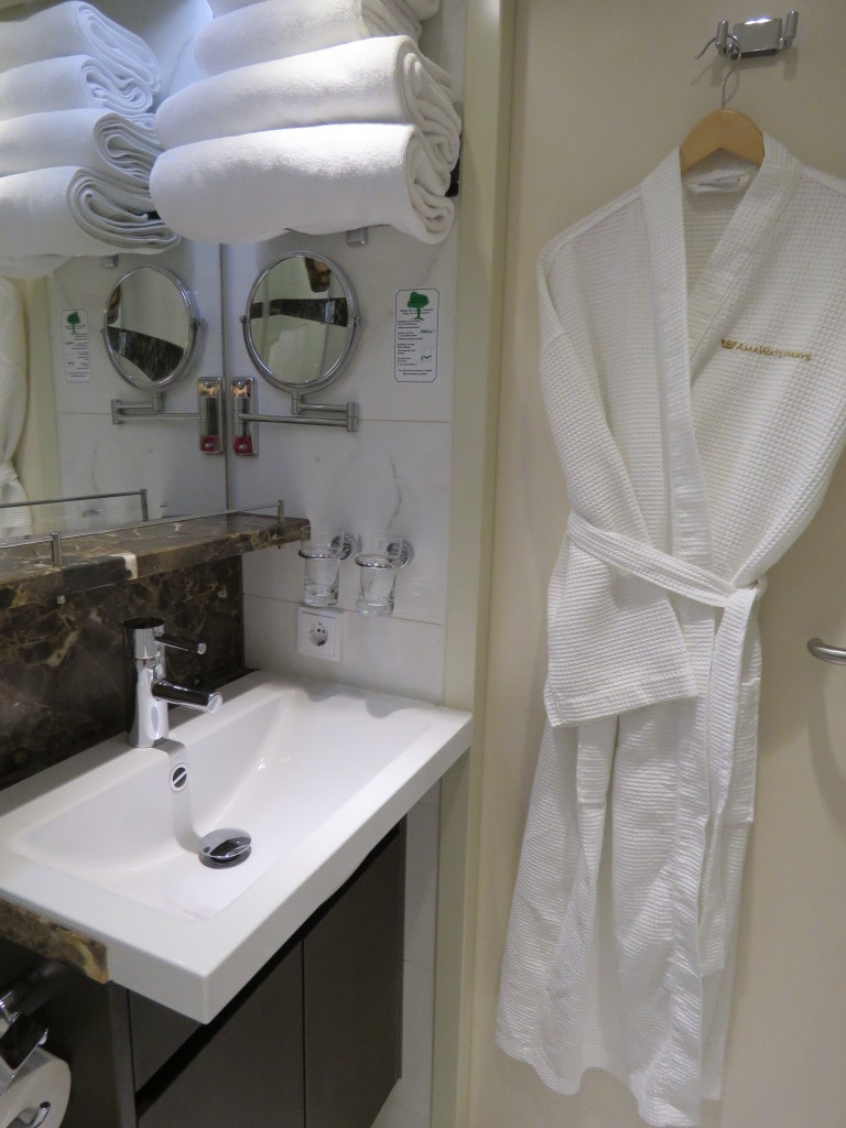 AmaCerto Bath AmaWaterways Room 223
