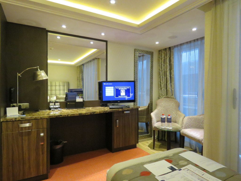 AmaCerto Seating Area AmaWaterways Room 223