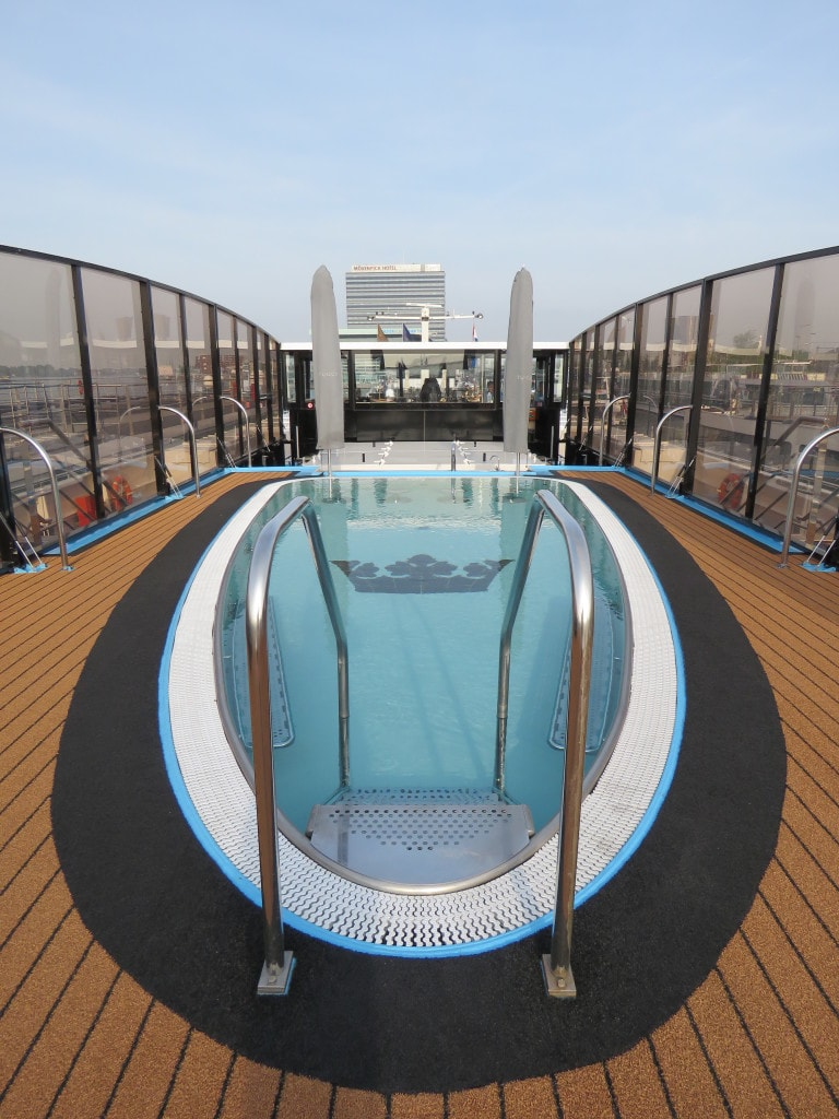 AmaCerto AmaWaterways pool