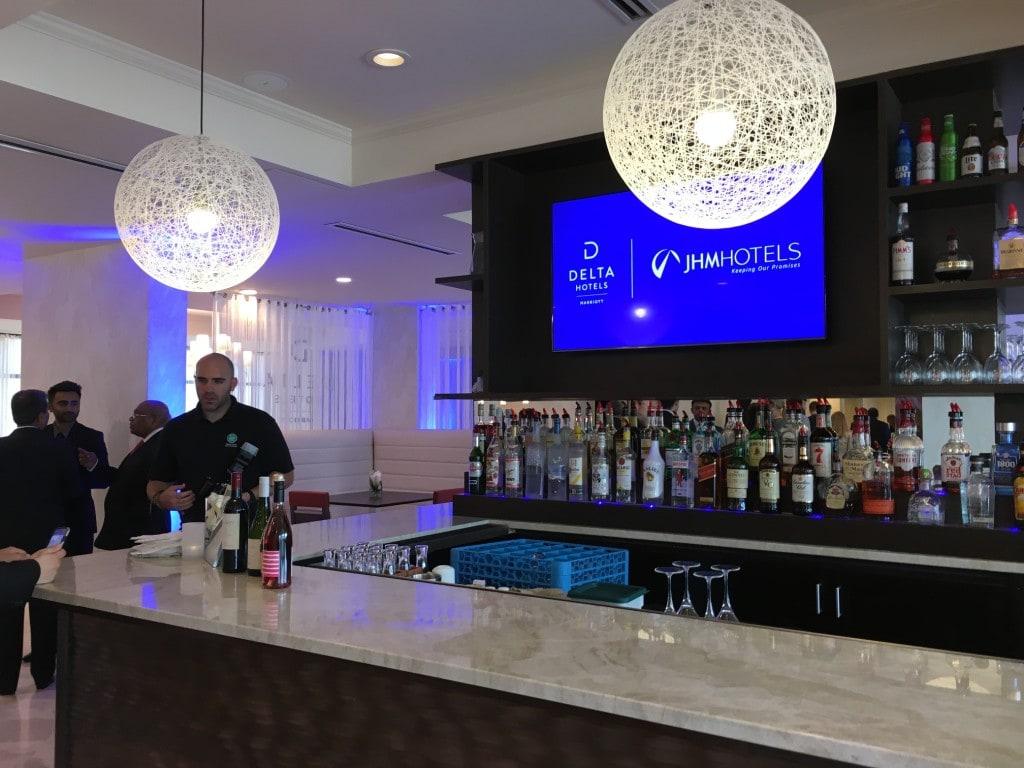 Delta Hotels Marriott Orlando Lake Buena Vista Disney Bar