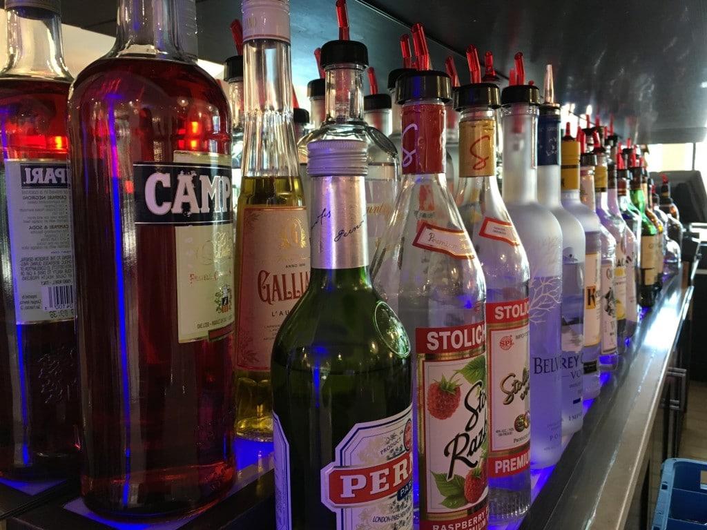 Delta Hotels Marriott Orlando Lake Buena Vista Disney Alcohol at Bar