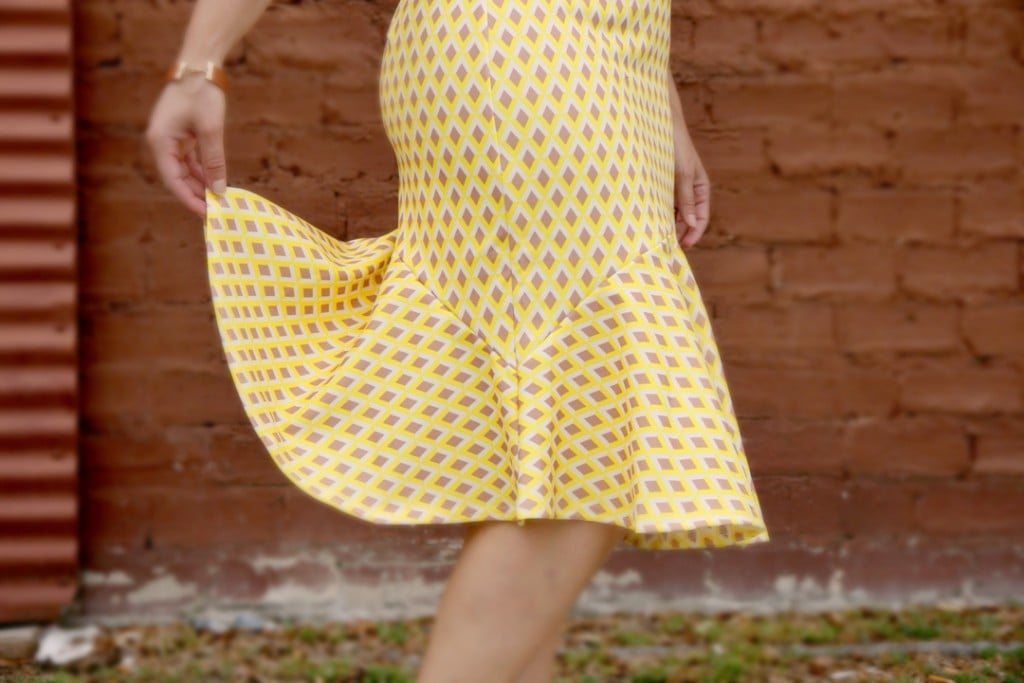 Shabby Apple Arrow Dotted Dress Detail