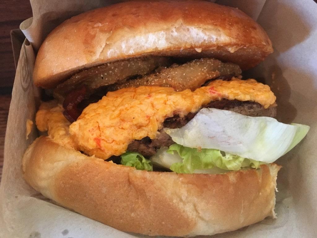 Southern Hamburger D-Luxe Burger