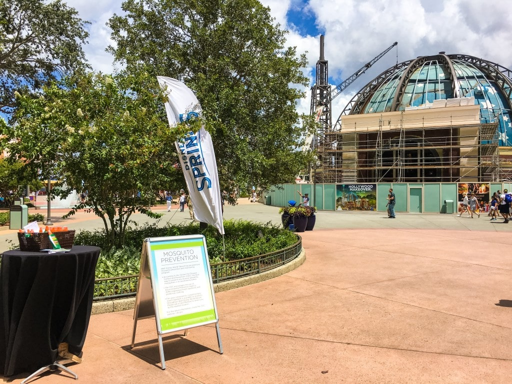 Walt Disney World Resort now offers free bug spray to guests at its theme parks, Disney Springs , hotels, and ESPN Wide World of Sports. The mosquito bite protection comes as Zika Virus is being reported in the state of Florida via local transmission through insect bites.