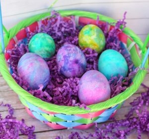 How to Dye Easter Eggs with Whipped Cream (Cool Whip)