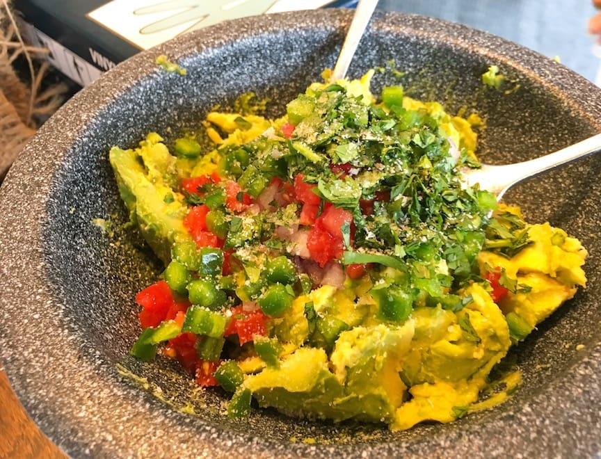 making guacamole at paddlefish best seafood restaurant in orlando