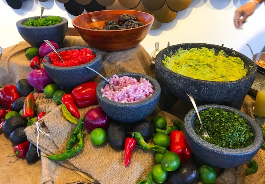 handmade guacamole at paddlefish best seafood restaurant in orlando