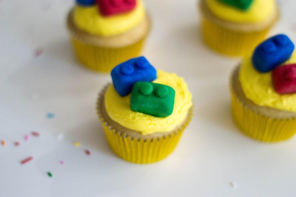 homemade lego cupcakes using fondant
