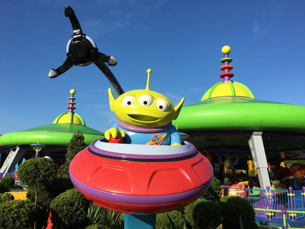 bright green alien in spaceship Toy Story Land
