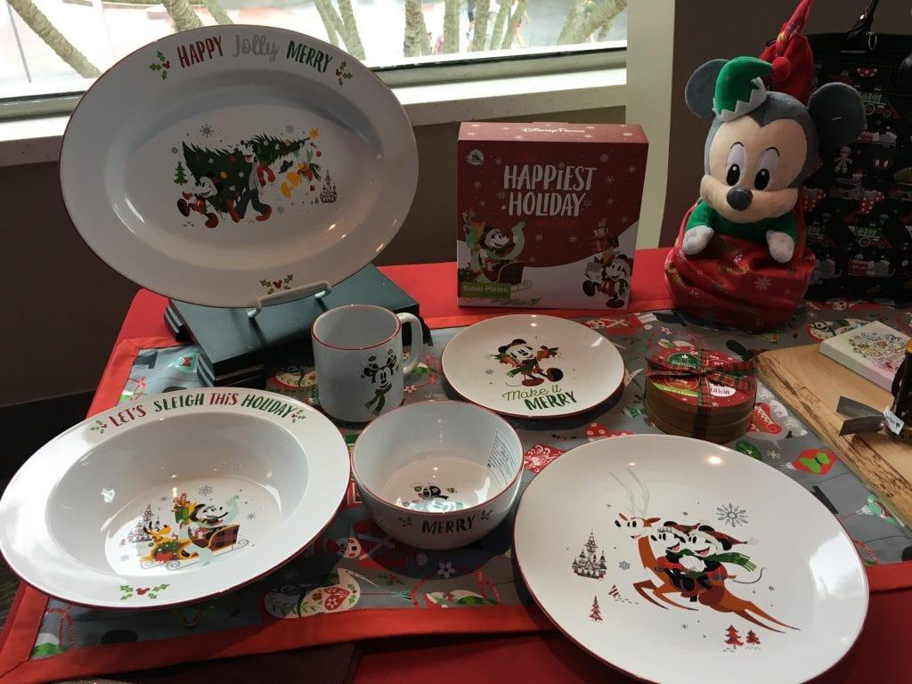 Disney Christmas Plates 2018