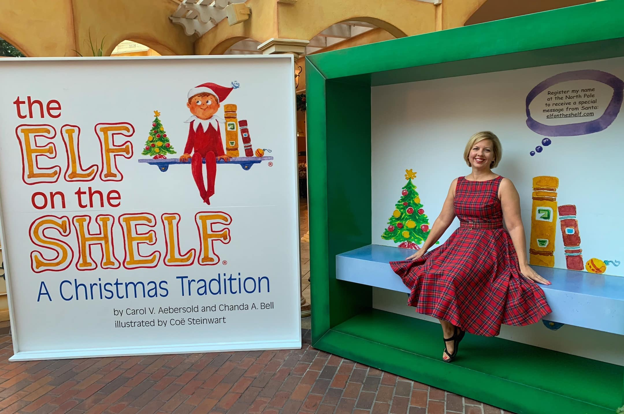 Gaylord Palms ICE 2018 A Christmas Story Orlando elf on the shelf character at breakfast