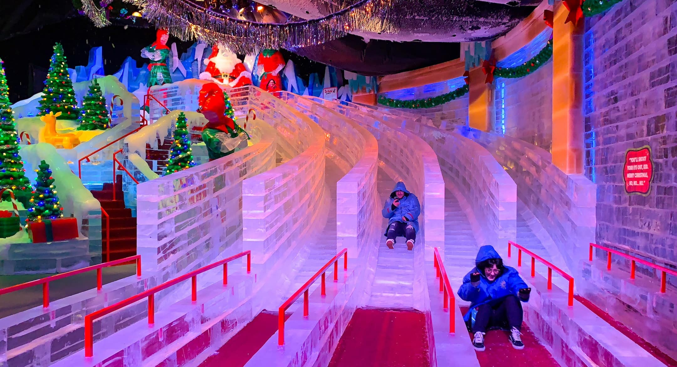 Gaylord Palms ICE 2018 A Christmas Story Orlando Ice Slides Curving