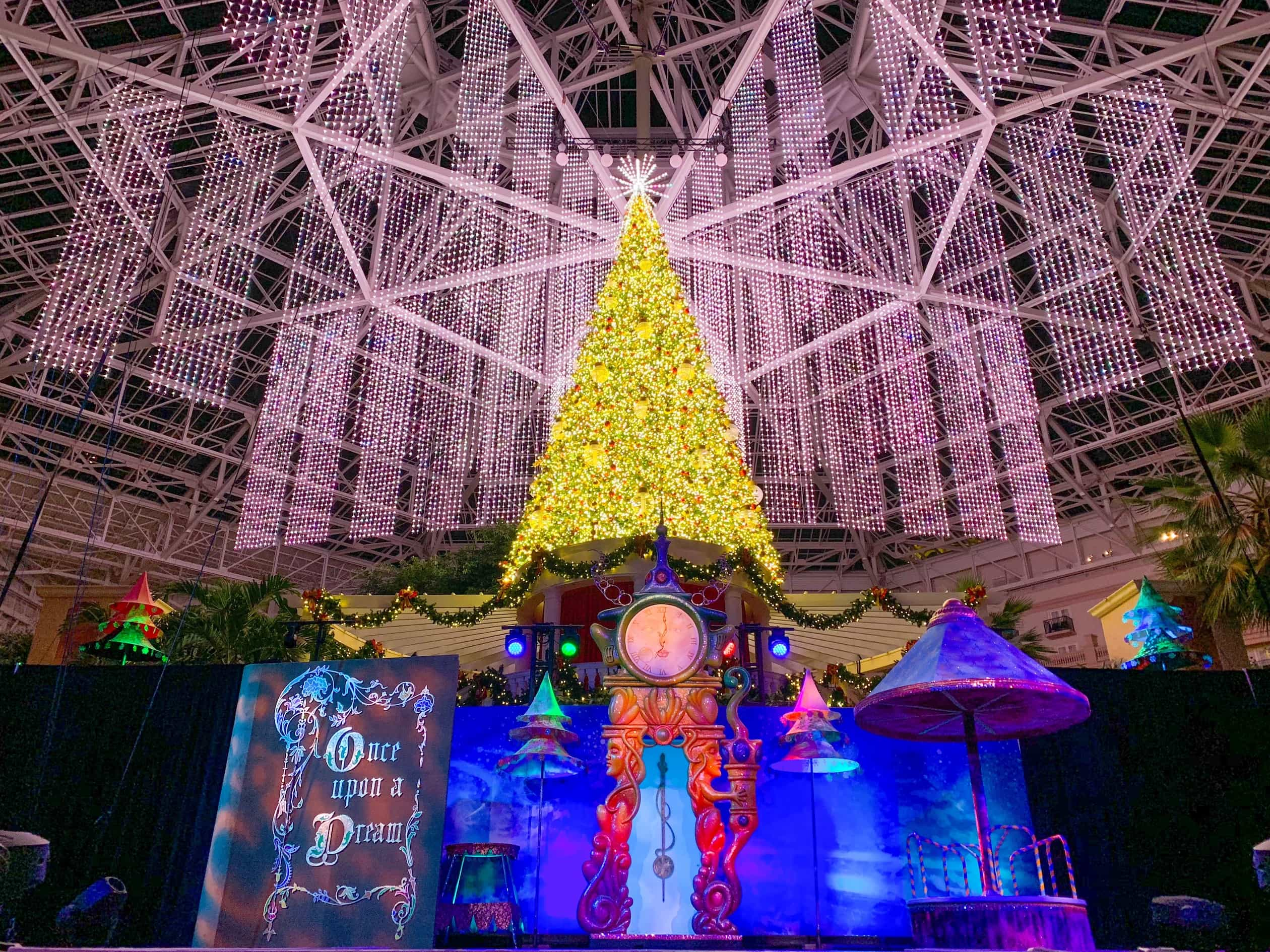 dreams of Christmas showChristmas Tree in Gaylord Palms Lobby Orlando