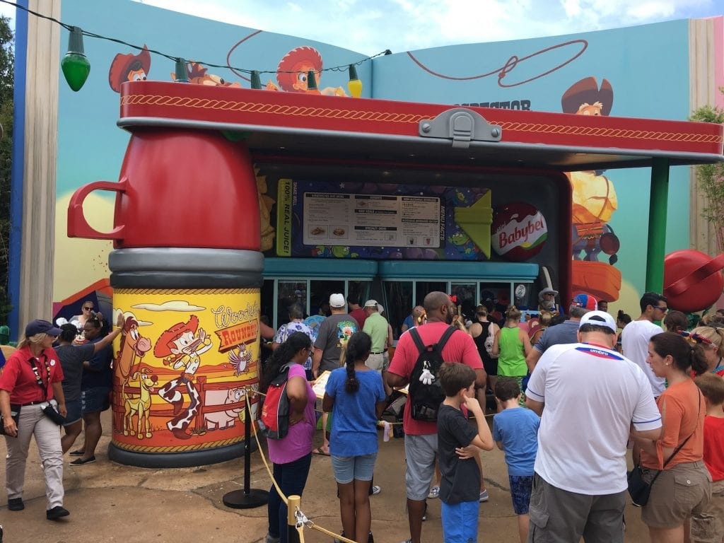 Thermos propping up a lunch box lid Toy Story Land disney