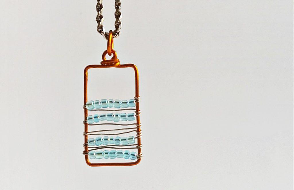 DIY Beautiful Beaded Pendant Necklace