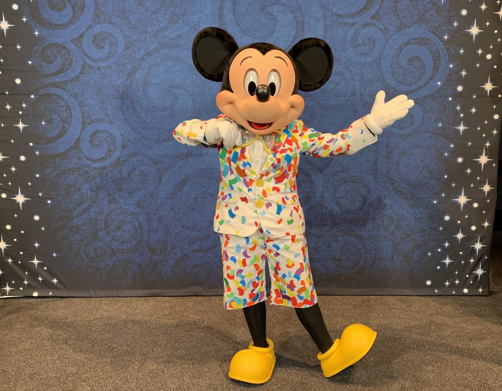 epcot festival of the arts 2019 mickey mouse costume