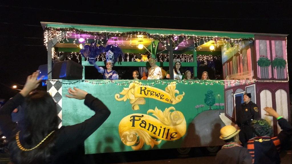 Lake charles mardi gras parade float