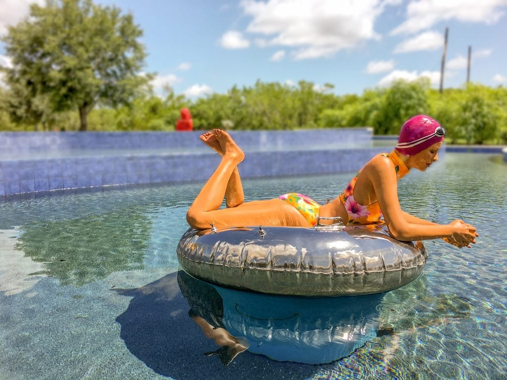 Punta-Gorda-FL-peace-river-botanical-sculpture-gardens-art-carole-feuerman