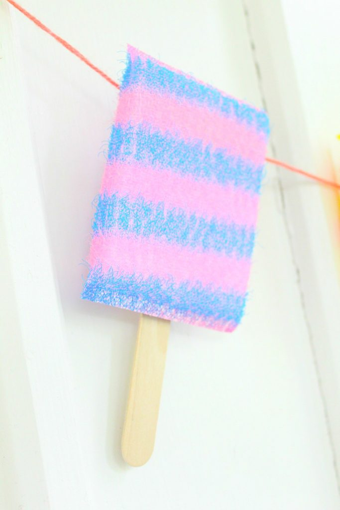 DIY summer popsicle banner tutorial