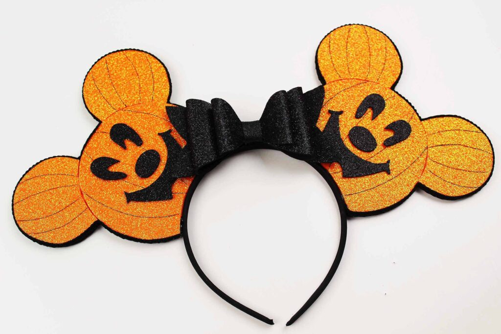 DIY Halloween Mickey Ears Look Like Pumpkins