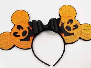 DIY Halloween Mickey Ears Look Like Pumpkins