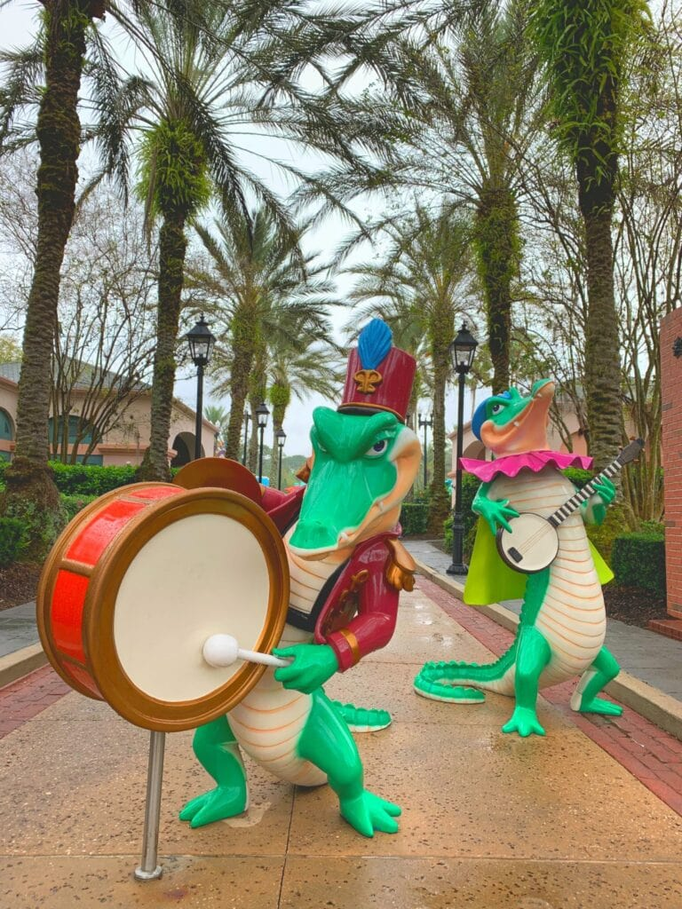 alligators playing drums port Orleans French quarter resort