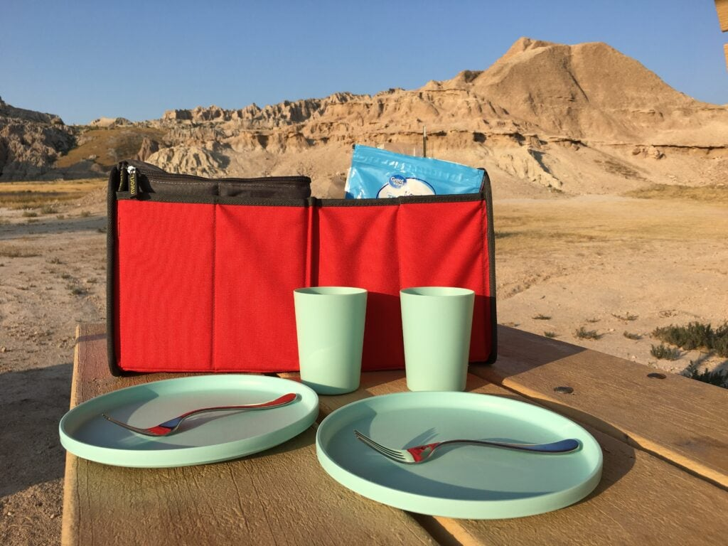 red vehicle organizer for picnic
