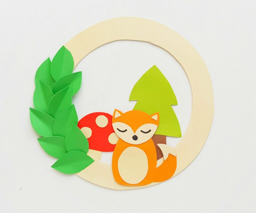 woodland animals paper craft wreath