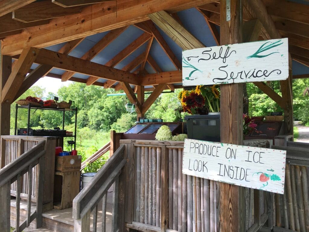 flying cloud farm stand